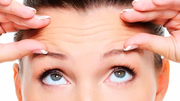 Existem diferenças entre injeções intradérmicas e intramusculares de toxina botulínica na testa?